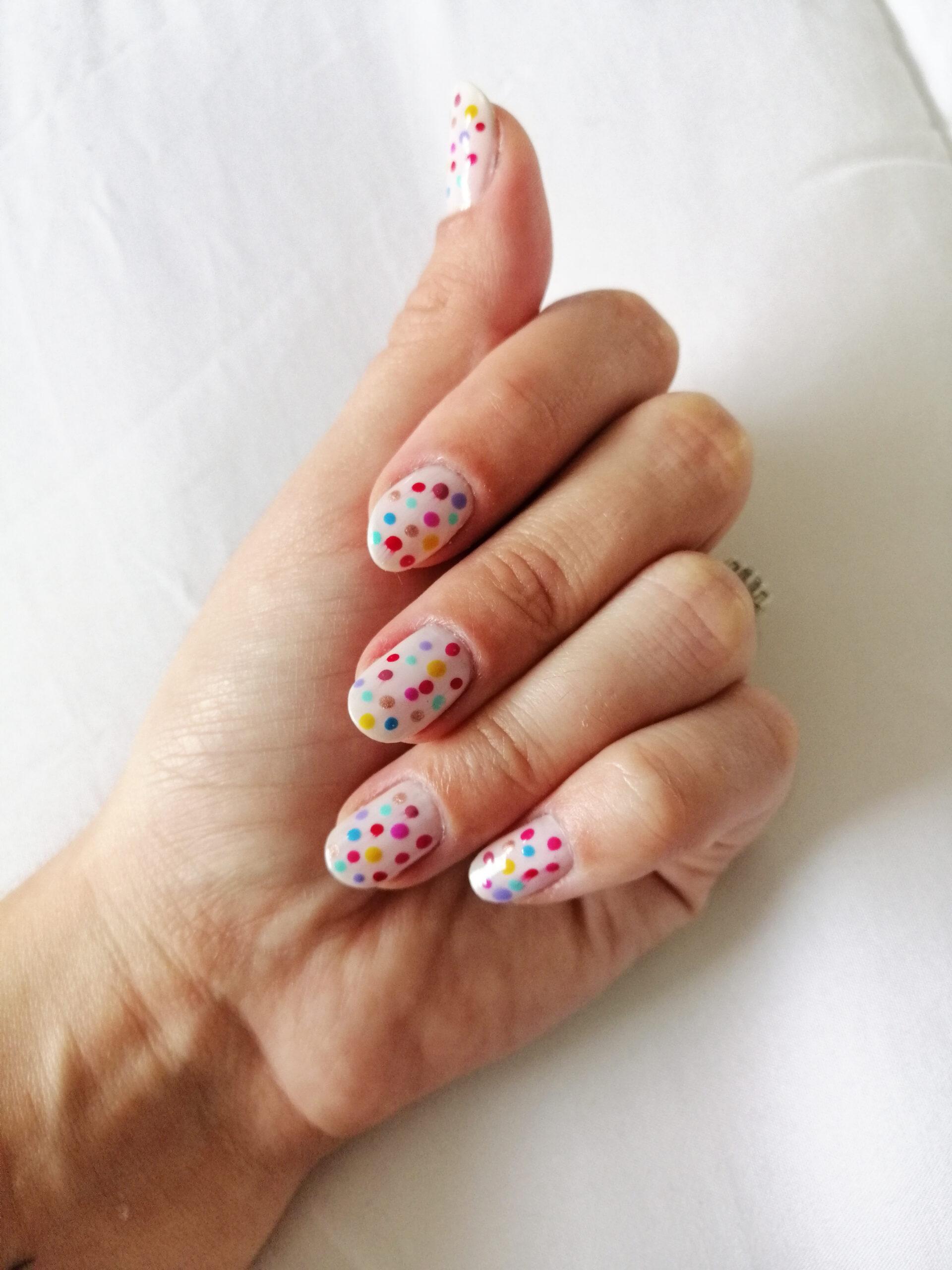 nail art feita em casa